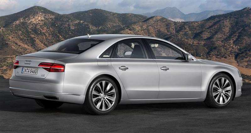 2017-Audi-A8