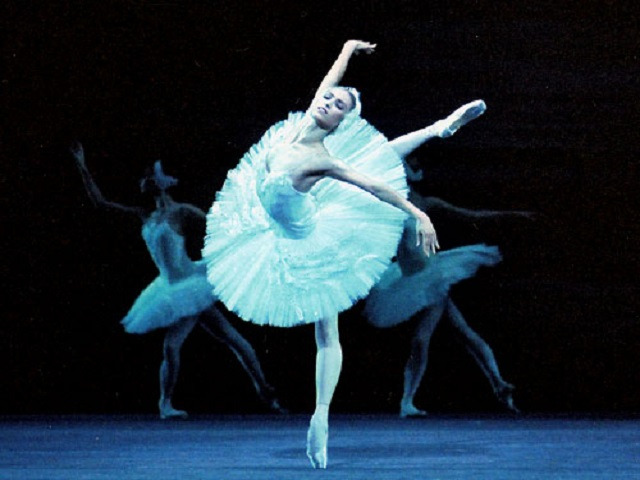 Tips-To-Make-Your-Posture-Better-For-Ballerina-Dance